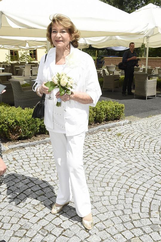 Svědkyně nevěsty Yvetta Simonová
