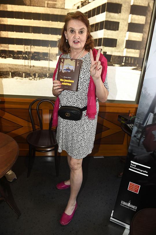 Eva Holubová jela na Sicílii hned po krátké návštěvě karlovarského filmového festivalu.