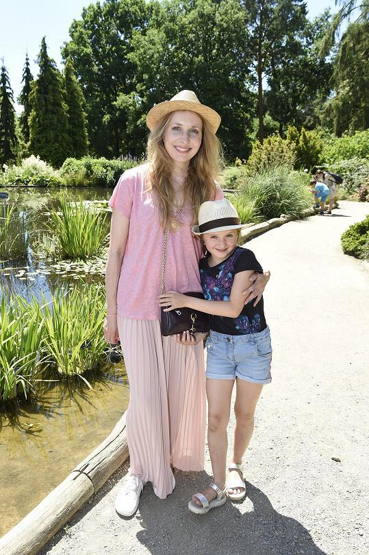 Tereza Bebarová s dcerkou Klaudií (8)