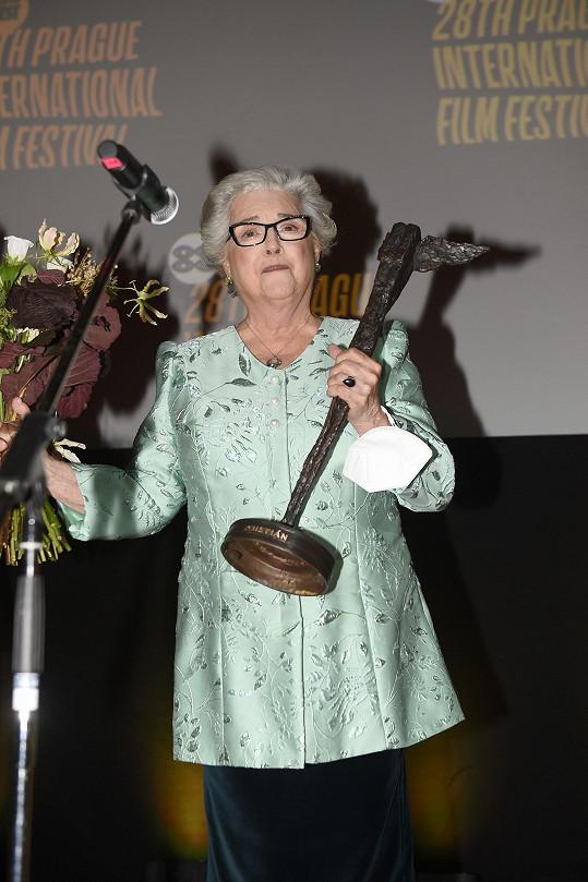 Božidara Turzonovová je novou držitelkou ceny Kristián za celoživotní dílo.