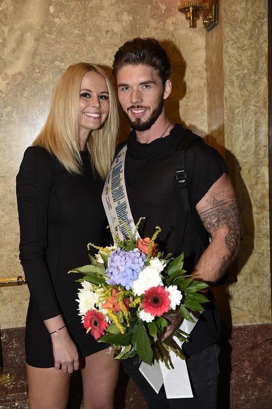 Kateřina byla jednou z prvních, kdo mu blahopřál k vítězství v soutěži Muž roku.