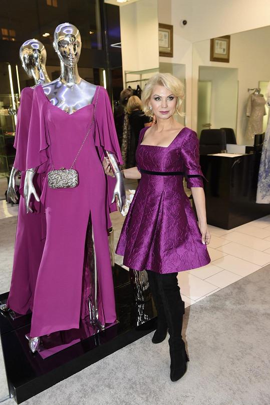 Natali Ruden má ráda výrazné barvy.