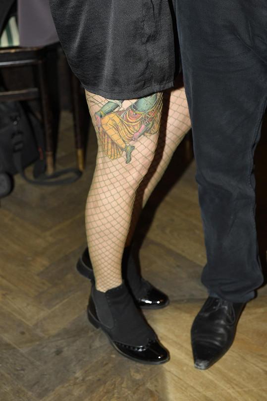 Detail Kateřinina tetování na noze