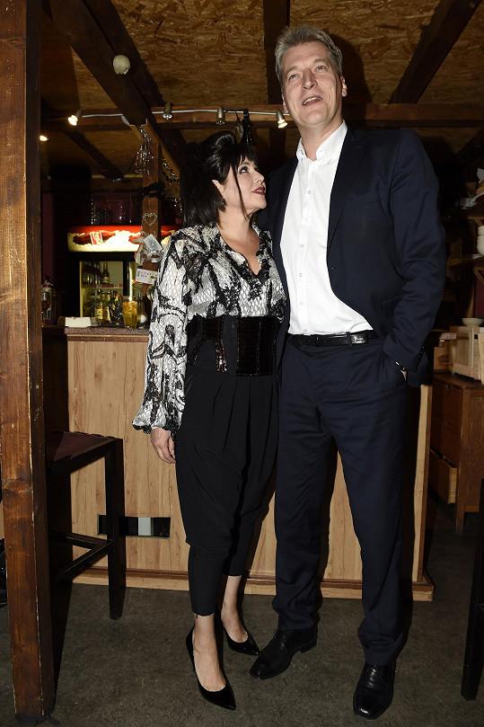 Ilona s manželem Radkem. Daniel je vysoký po něm.