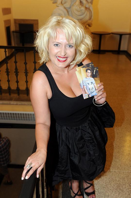 Vlasta je její nejoblíbenější zpěvák.