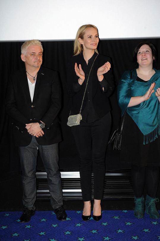 Monika s herckými kolegy z filmu Vybíjená.