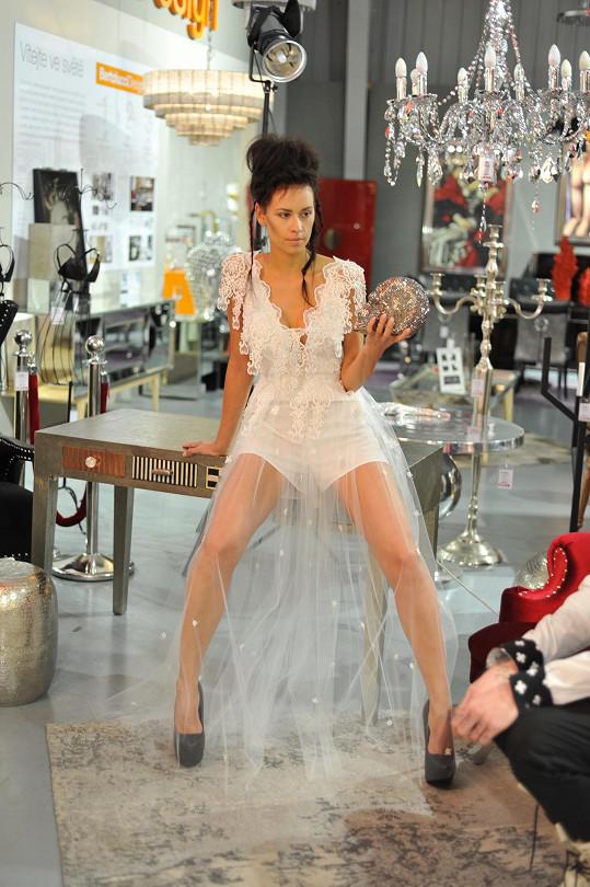 Modelka dostala úlohu anděla.