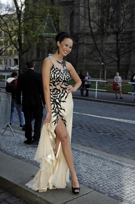 Monika Leová šaty vybírala na poslední chvíli.
