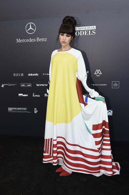 Na přehlídku La Formely Ina opět oblékla model z poslední kolekce Liběny Rochové Oděvní partitury.