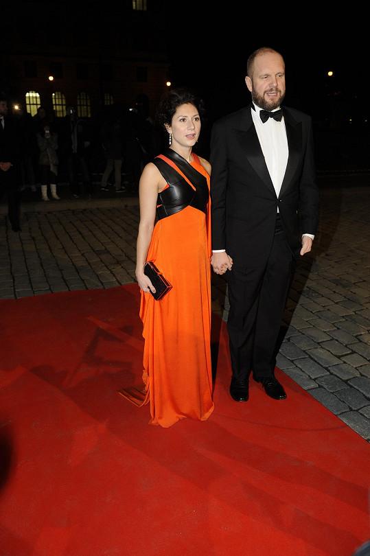 Nominovaná Martha Issová se svým partnerem Davidem Ondříčkem.