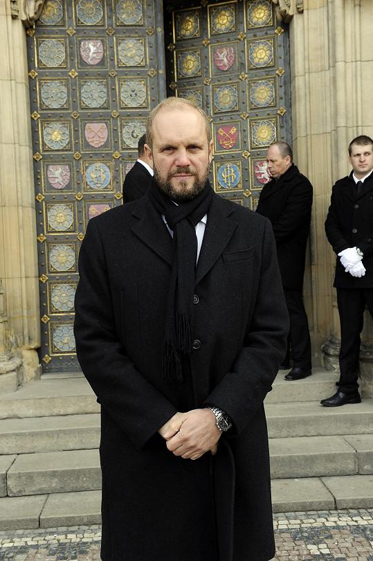 David Ondříček dnes na poslední cestu vyprovodil svého otce Miroslava.