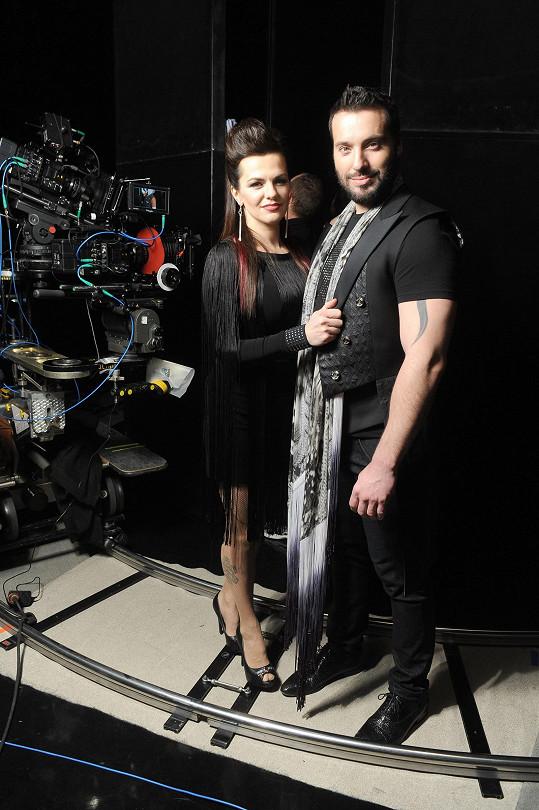 Marta Jandová a Vašek Noid Bárta budou soutěžit v Eurovizi 2015 s písní Hope Never Dies.
