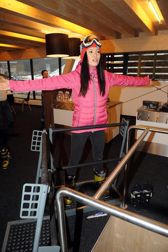 Monika Leová chtěla lyžovat ve Špindlu.