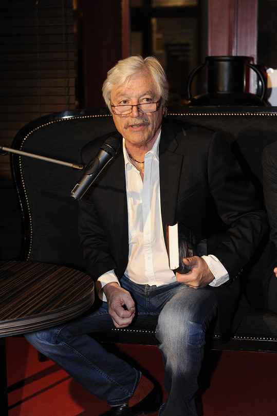 Juraj Kukura si s Havlovou možná zahraje v seriálu.