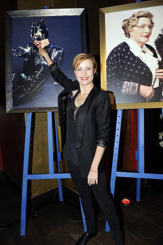 Jitka Schneiderová se v kalendáři Proměny změnila v Catwoman.