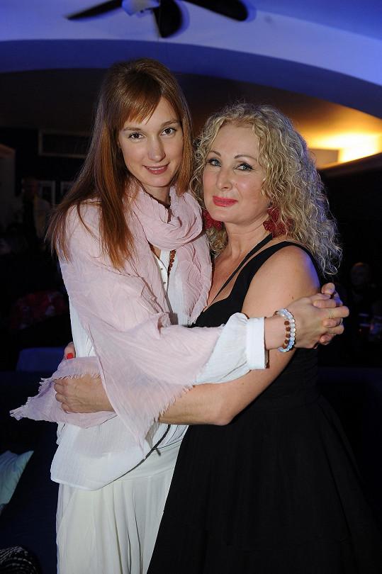 Josefína s maminkou Světlanou Nálepkovou