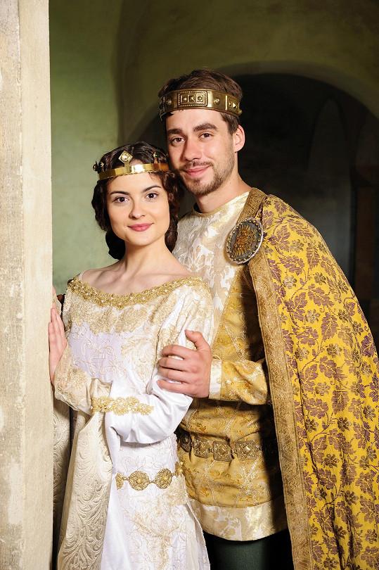 O Vánocích jsme ho měli možnost vidět v pohádce Korunní princ, kde si zahrál s Evou Josefíkovou.
