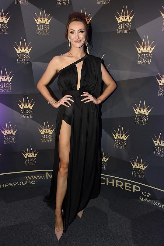 Táňa Makarenko zvolila odvážný model.