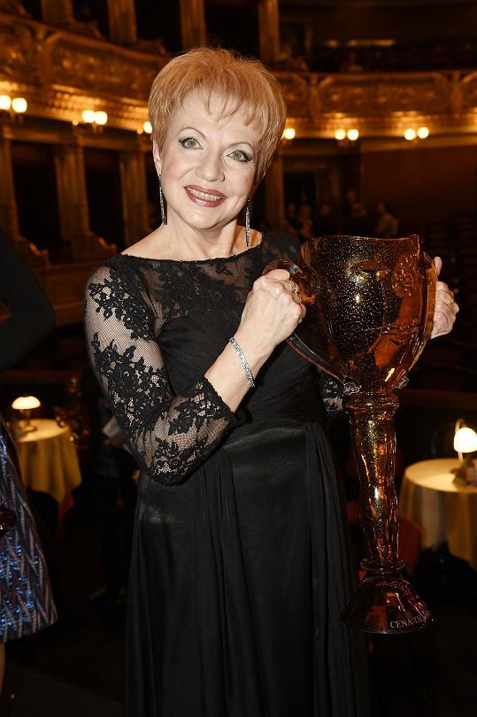 Druhou Cenu Thálie obdržela v roce 2017 za celoživotní mistrovství v operetě a muzikálu.