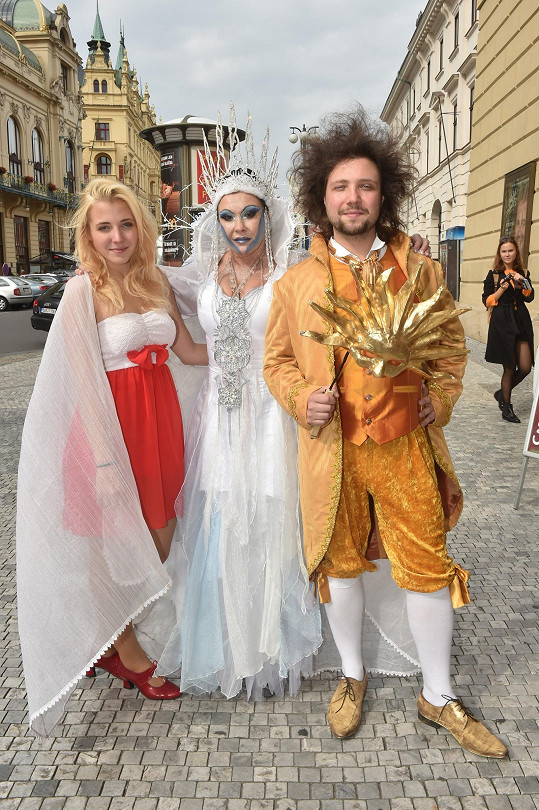 Sněhová královna je takový rodinný podnik rodiny Slováčkových a Pixových.