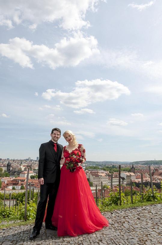 Iva Vavřínová si vzala dlouholetého přítele Břéťu.