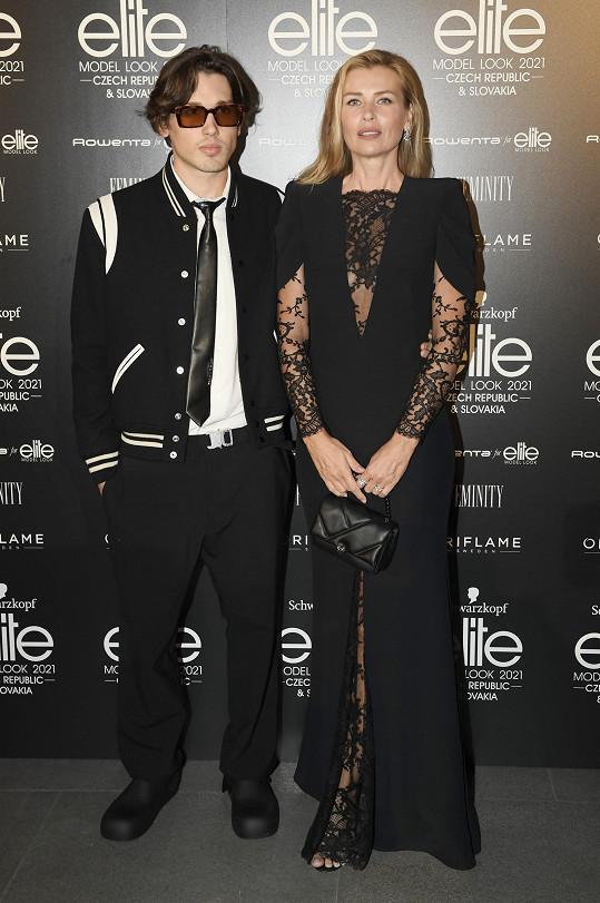 Po delší době se objevila ve společnosti se synem Yannickem na československém finále Schwarzkopf Elite Model Look.