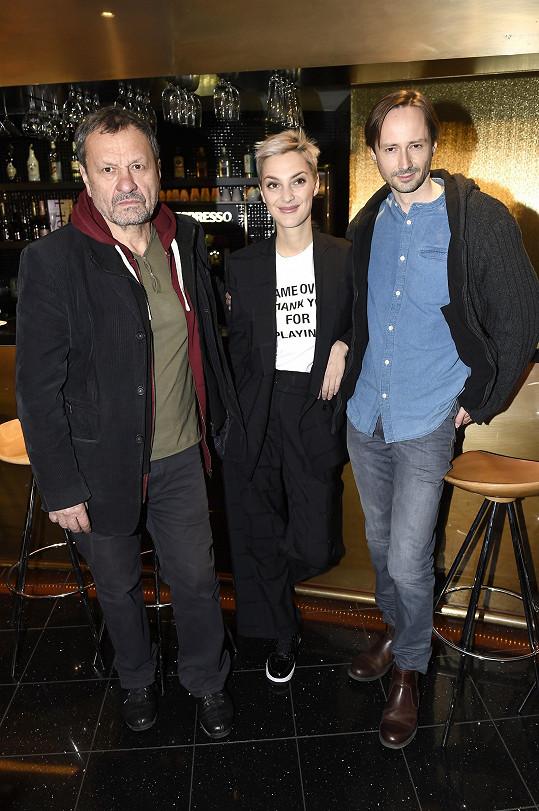 S režisérem Miroslavem Krobotem a Jaroslavem Pleslem, se kterým v Kvartetu hraje.