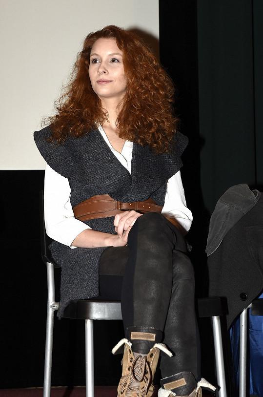 Denisa na představení filmu médiím