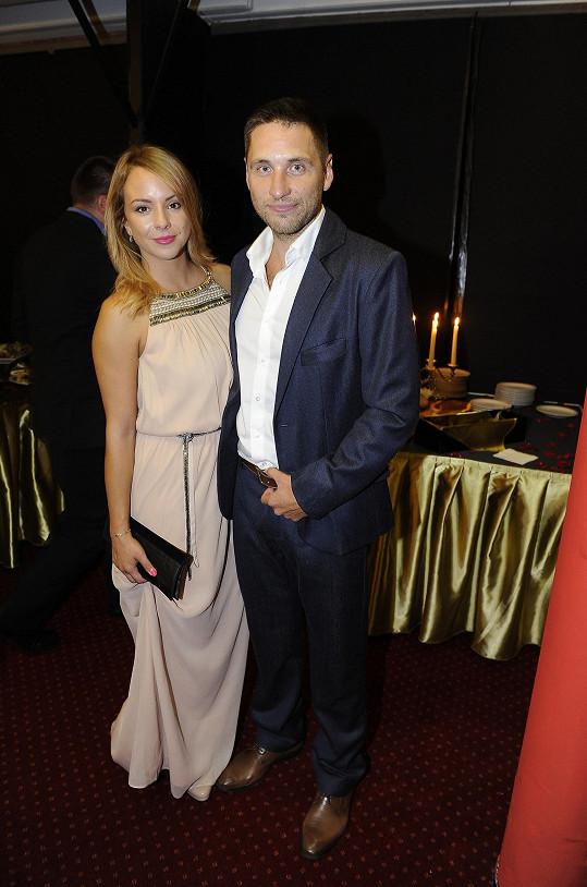 Martin Písařík - tentokrát střízlivý a s oficiální partnerkou