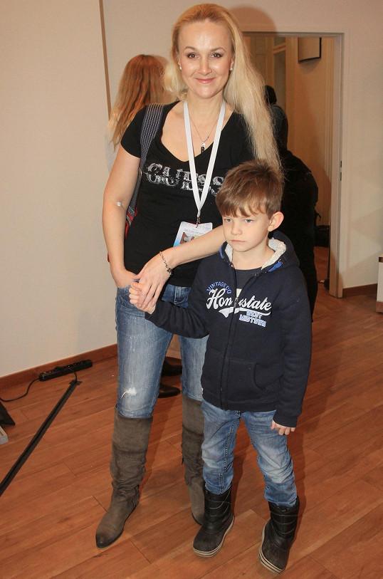 Linda Finková a její syn Matyáš
