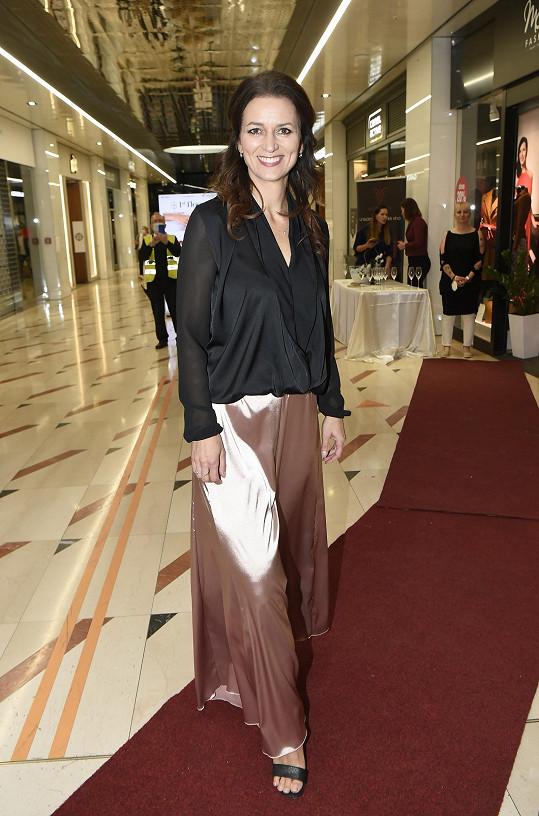 Adéla Gondíková opět v roli modelky.