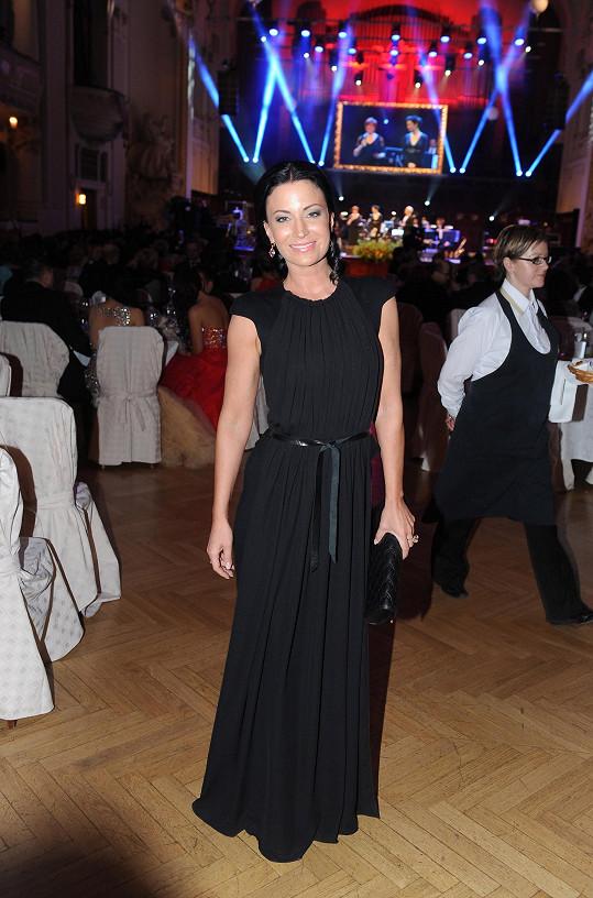 Gábina Partyšová vsadila na černé šaty od Kateřiny Geislerové.