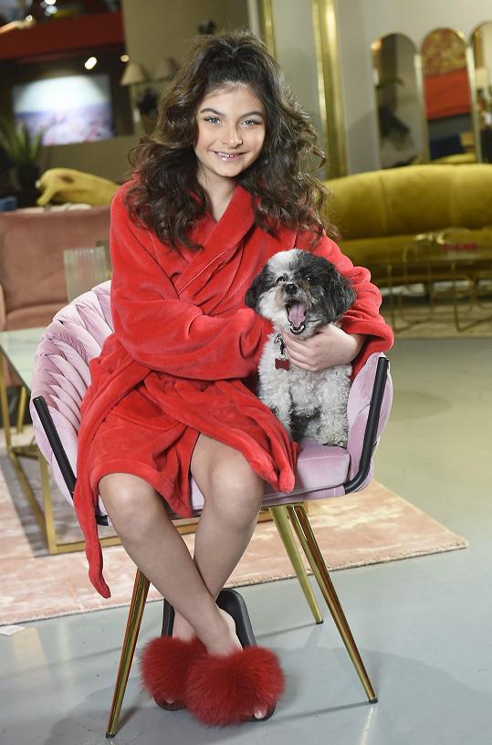 Nadšeně pózovala i s boloňským psíkem redaktorky Super.cz Gigi.
