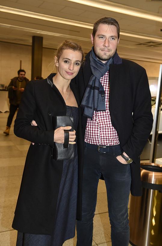 Ivana vyrazila na párty s novým partnerem.