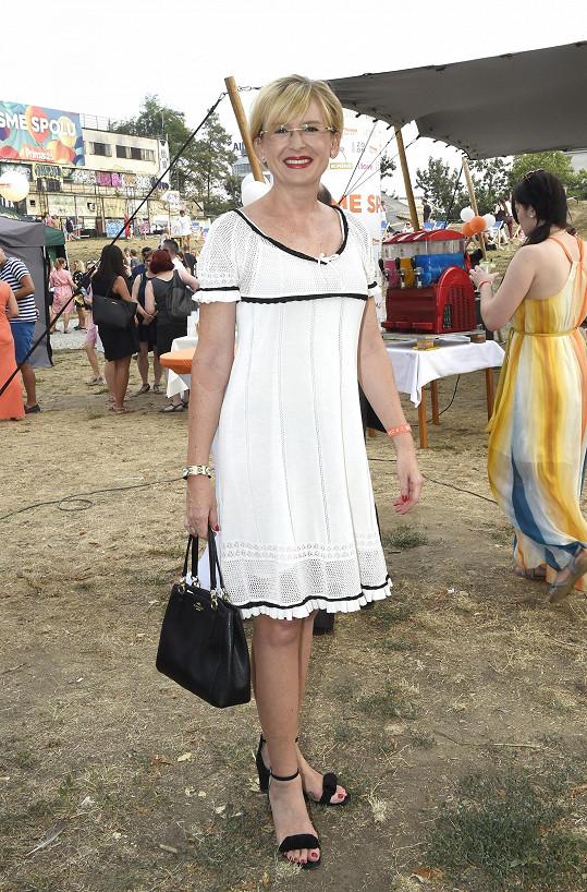 Štěpánka Duchková ve stylu lady.