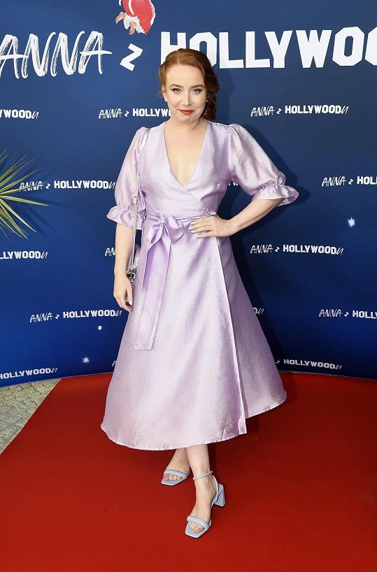 Alena Doláková na křtu své knihy Anna z Hollywoodu