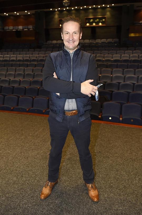Režisér Radek Balaš bude v Divadle Bez zábradlí režírovat muzikál Kabaret.