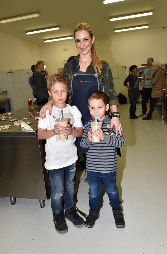 Monika Marešová se syny Jakubem a Matějem