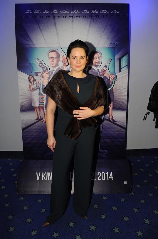 Velkou roli svůdné manželky má ve filmu Jitka Čvančarová.