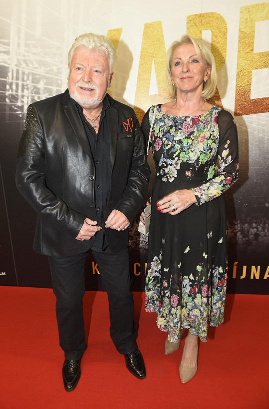 Zpěvák Milan Drobný s manželkou Danou