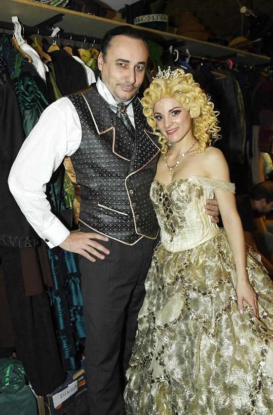 Marian s Nikolou Ďuricovou v muzikálu Čarodějka v divadle GoJa Music Hall, který se 3. září opět vrací.