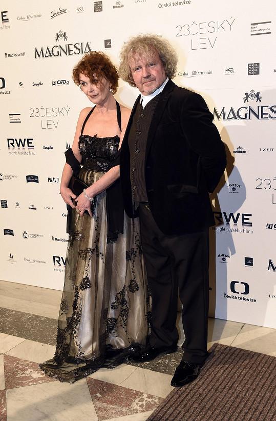 Režisér F. A. Brabec s manželkou