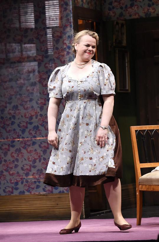 Sabina na pódiu Divadla Kalich
