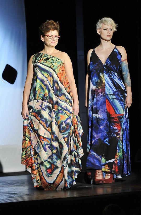 S Janou Sovákovou předvedly i tyhle barevné modely.