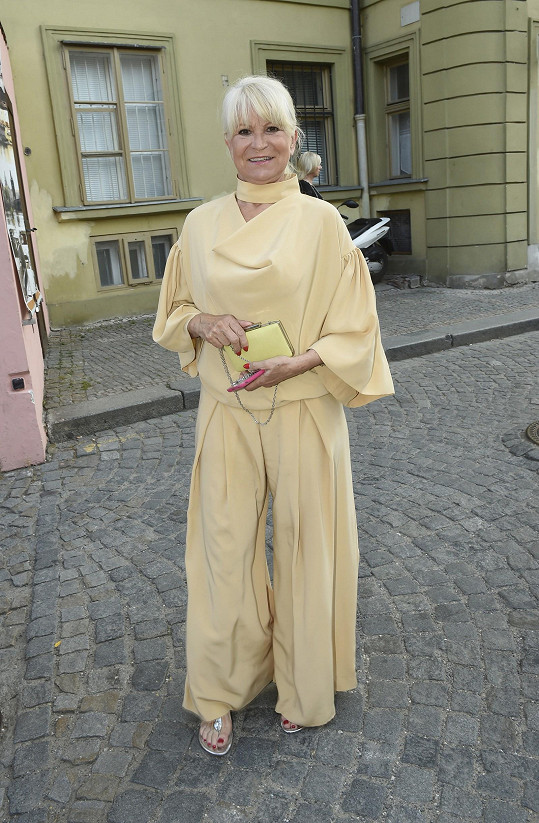 Nestorka československého modelingu Milada Karasová