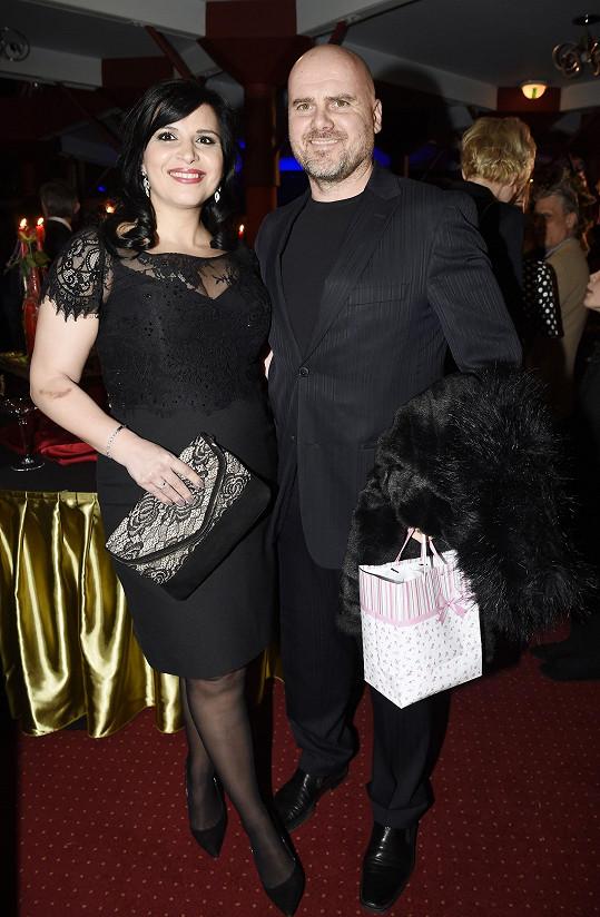 Andrea Kalivodová s manželem Radkem Tögelem na premiéře Plesu upírů