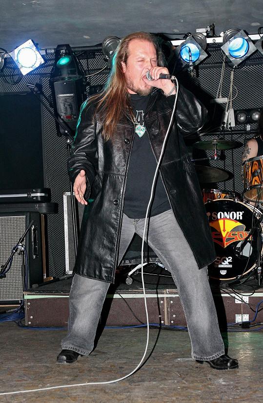 Fanoušci zpěváka znají z kapel Vitacit, Citron a Kreyson.