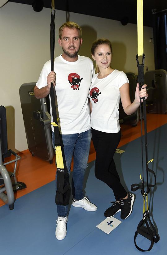 Libor a Gábina cvičili, aby podpořili lidi s roztroušenou sklerózou.