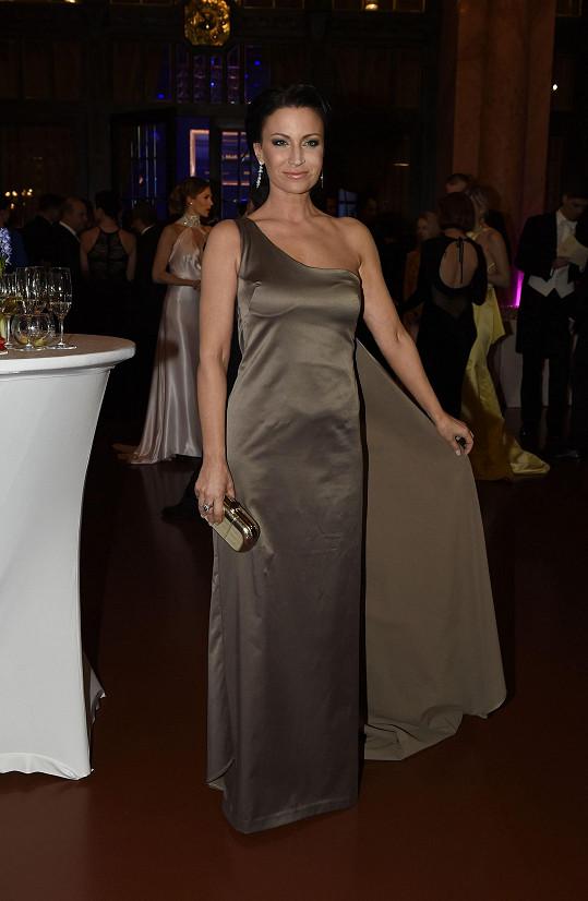 Moderátorka plesu Gabriela Partyšová