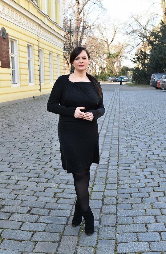 Jitka Čvančarová se na slavnostní příležitost vyfikla a slušelo jí to.